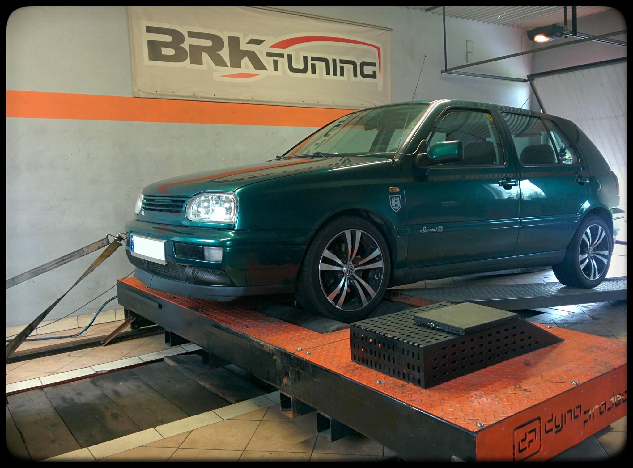 VW Golf - po badaniu na hamowni wyraźnie widać wprzyrost mocy i momentu