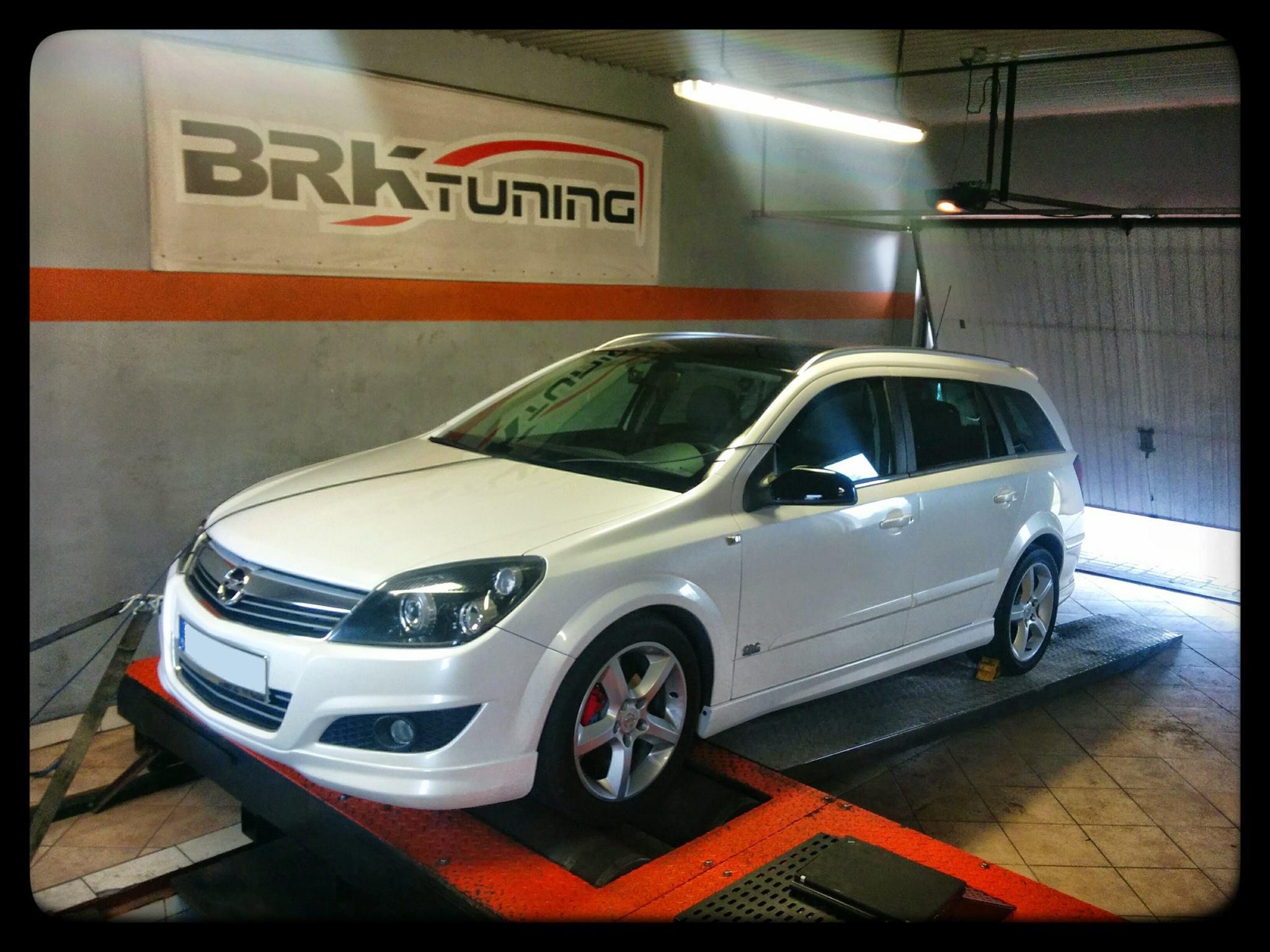 Opel Astra - diagnozujemy samochód na hamowni obciążeniowej