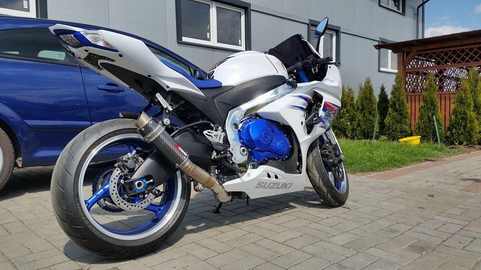 układ wydechowy w motocyklu ze stali nierdzewnej